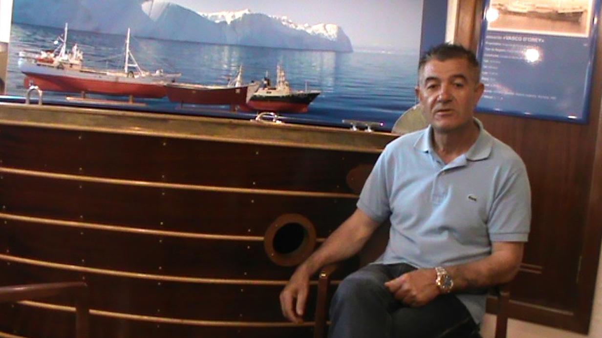 O trabalho de um salgador na pesca do bacalhau em alto mar