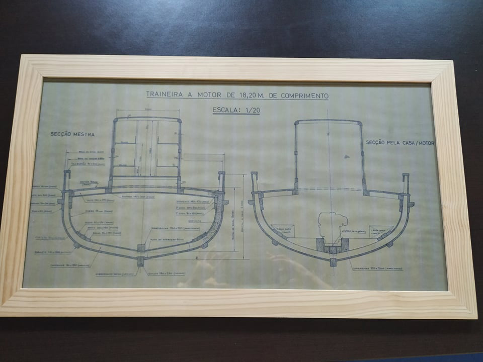 Traineira a motor de 18,20m de comprimento. Escala: 1/20 – moldura com ilustração