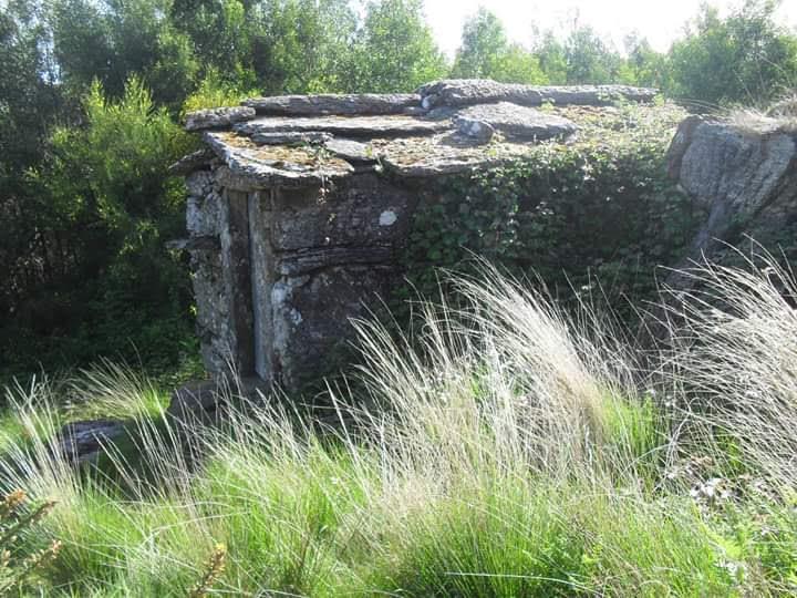 Edificações ligadas à vida rural (moinhos, casebres, caniços,  cobertos…)