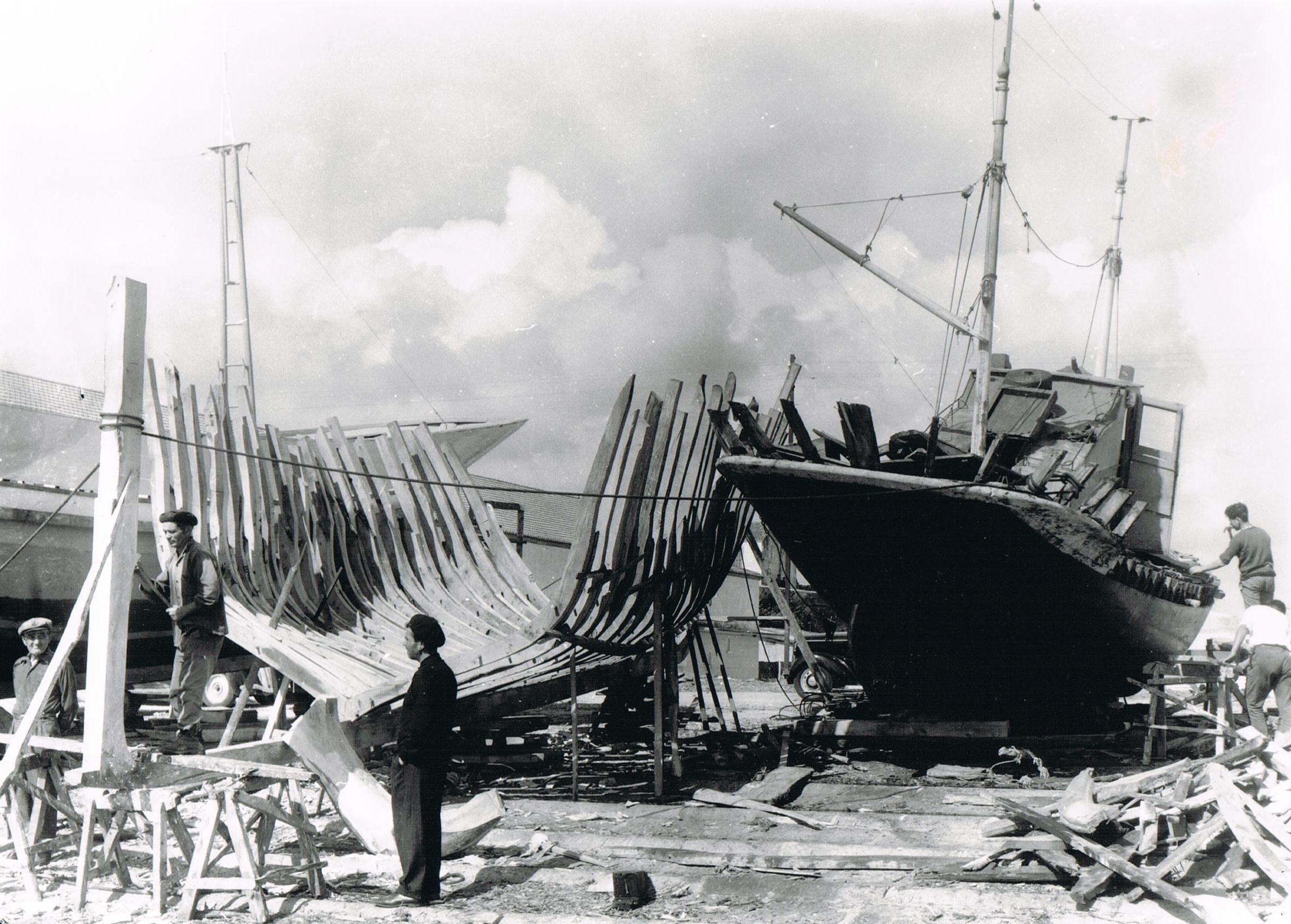 Construção de embarcação tradicional – Darque
