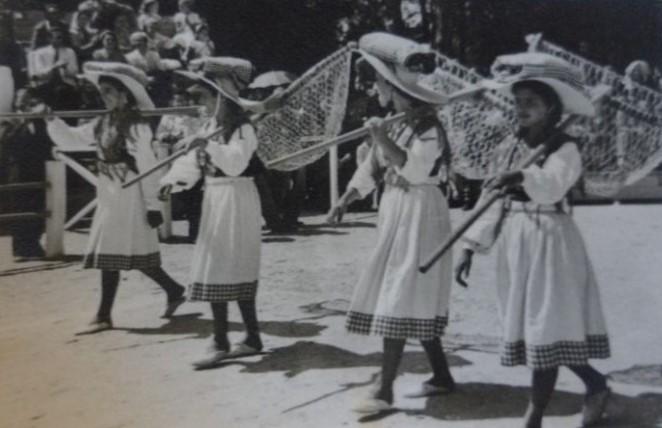 Sargaceiras na Festa do Traje, 1949
